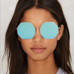 Quay kiss and yell sunglasses